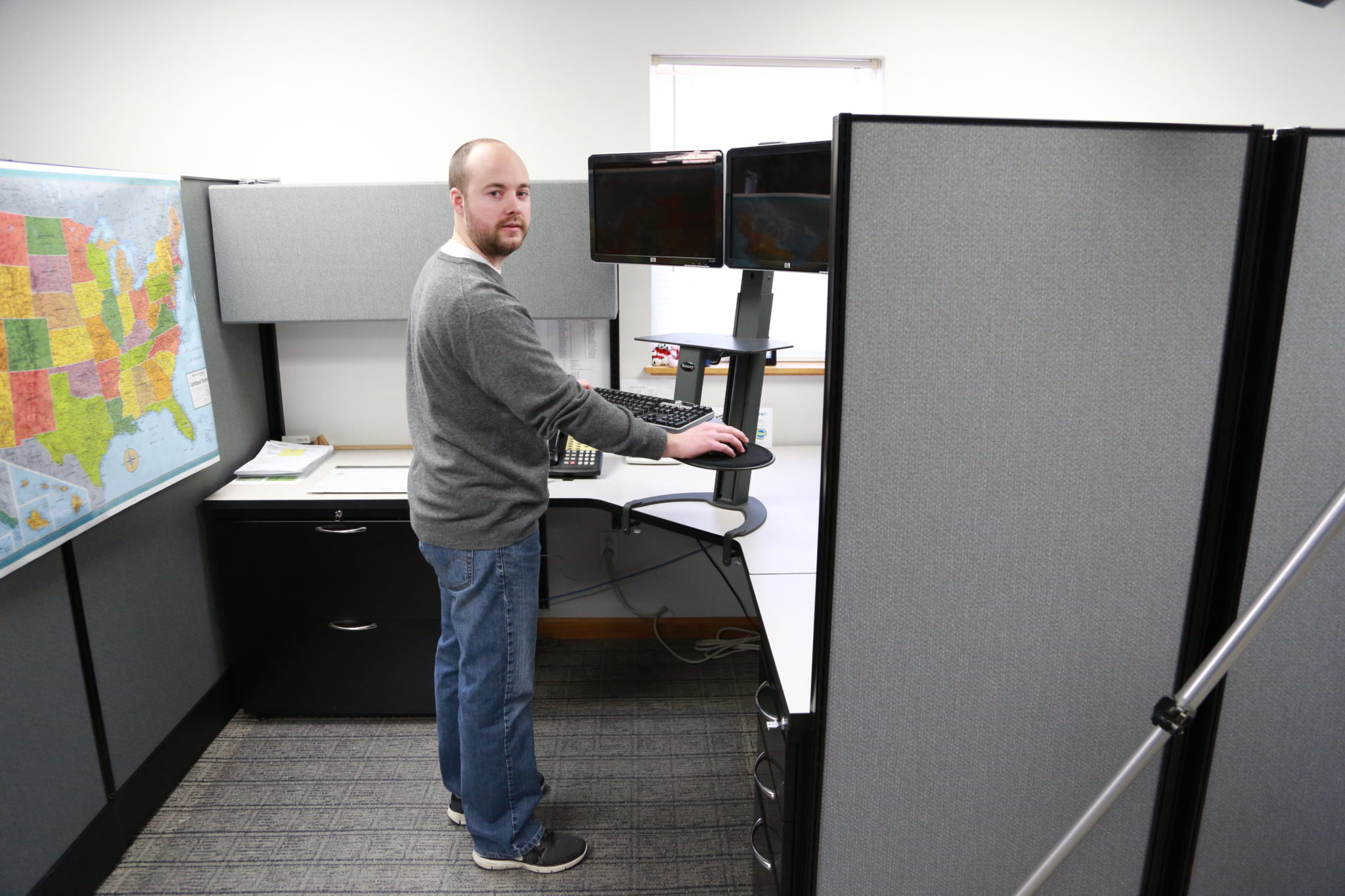 Top 5 reasons to buy a standing desk